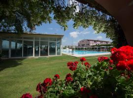 Mancini Park Hotel, hotel near Atlantico, Mostacciano