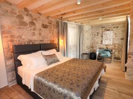 Villa Teuta, beach hotel in Trogir