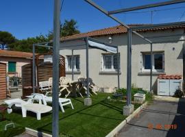 Charmante maison à 5mn à pied de la plage, villa in Le Grau-d'Agde