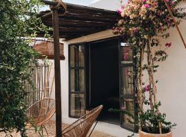 Sa Caseta Studio, hotel in Algaida