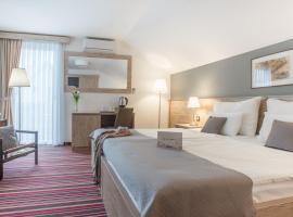 Guest house Oreskovic, hotel in Korenica