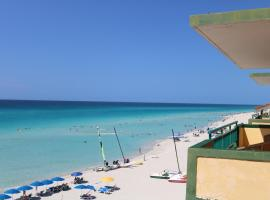 Los Delfines All-Inclusive, hotel in Varadero
