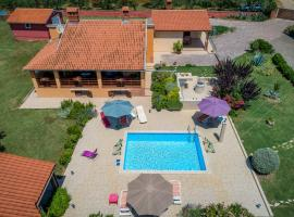 Hacienda RoseMary, hotel near Pula Airport - PUY,