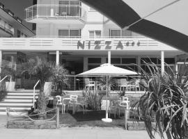 Hotel Nizza Frontemare, отель в городе Лидо-ди-Езоло