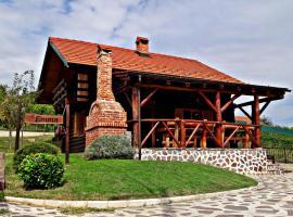 Wooden House Emma, hotel in Tuheljske Toplice