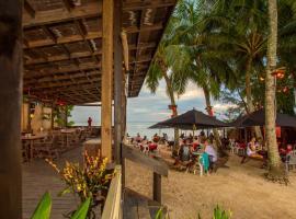 Castaway Resort, hotel in Rarotonga