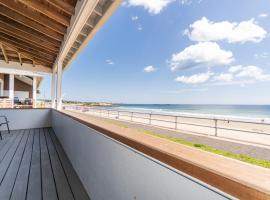 Ocean Front Cottage - Long Beach, holiday home in Rockport