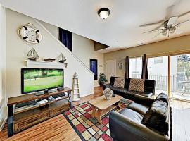 New Listing! Beach Gem W/ Balcony - Walk To Shore Condo, apartment in Pismo Beach