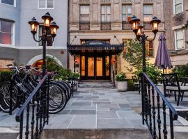 Dupont Circle Embassy Inn by FOUND, hotel ve Washingtonu