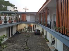 crystal inn, hotel in Pasuruan
