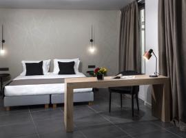 Azur Suites, hotel near Glyfada marina, Athens