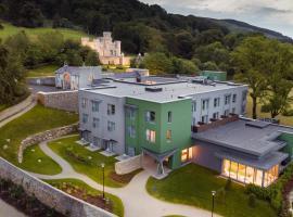 Killeavy Castle Estate, hotel in Meigh