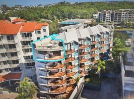 Coral Sea Views Beachfront Penthouse, hotel in Maroochydore