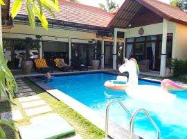 Mias Jungle House, hotel in Lovina