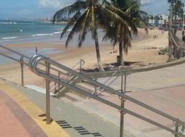 Kitnets com AR Condicionado na Praia, hotel in Salvador
