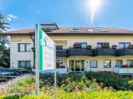 Hotel garni Schacherer, homestay in Müllheim