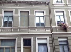 Huis Dujardin 1, pet-friendly hotel in Antwerp