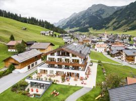 Hotel-Garni Schranz, hotel in Lech am Arlberg