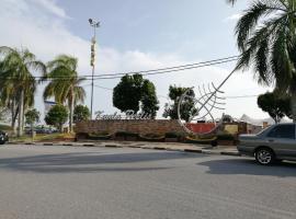 EMAS INDAH HOMESTAY KUALA PERLIS, hotel in Kuala Perlis