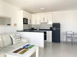 Apartamento Mijas Golf (WiFi, piscina y parking), lägenhet i Mijas