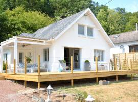 Villa Waulsort, holiday home in Waulsort
