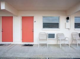 Venice Villas * Studio #49, apartment in Venice
