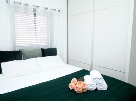 Apartments Susana Style, מלון ליד בית החולים תל השומר, אור יהודה