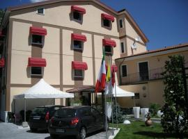Hotel de Meis, hotel in Capistrello