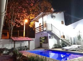 Suites Beija-Flor, hotel with pools in Paraty