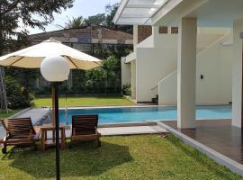 Bukit Dago Palace 22, villa in Bandung