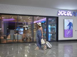 YOTELAIR Istanbul Airport, Duty free - International Transit area, hotel a Istanbul