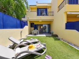 Blue Bay Villa Meloneras with Terrace, hotel in Meloneras