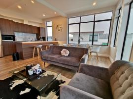 Two-Bedroom Penthouse, vacation rental in Auckland