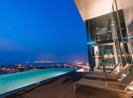 Infinitypool Condotel Pattaya Posh, hotel near Healthland Spa and Massage, North Pattaya