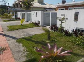 Casa temporada Campeche, hotel near Florianopolis-Hercilio Luz International Airport - FLN,