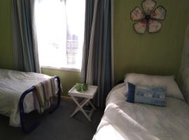 Waikiwi Gem - Queen and/or Twin room, hotel in Invercargill