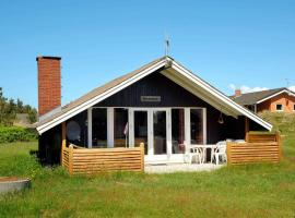 Three-Bedroom Holiday home in Vejers Strand 8, vacation rental in Vejers Strand