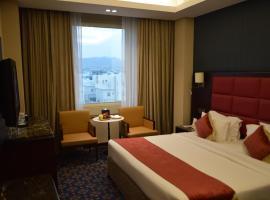 Ramee Guestline Hotel, hotel in Muscat