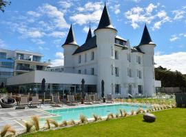 Château des Tourelles, Hôtel Thalasso Spa Baie de La Baule, hotel in Pornichet