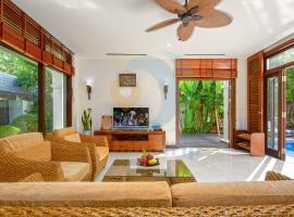 Luxury Villas Beach Resort DA NANG, biệt thự ở Đà Nẵng