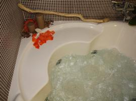 NEW Bcomfort, hotel with jacuzzis in Cagliari