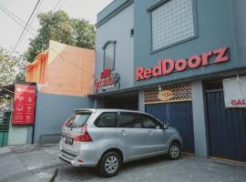 RedDoorz near RSUD Koja, homestay di Jakarta