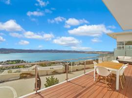 Nature & Relax House, Panoramic sea view, Free parking 54, B&B in Hobart