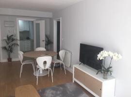 Apartamento de La Luz Céntrico en Náutico -Parking, hotel cerca de Ayuntamiento de Vigo, Vigo