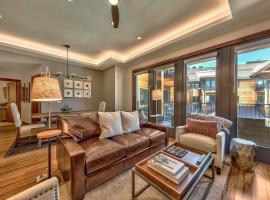 Steps From Heavenly Village & Gondola-Luxury 3Br Residence Condo, apartment in South Lake Tahoe