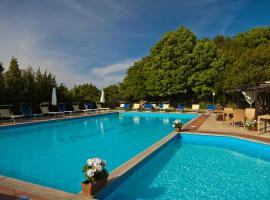 Pausania Inn, golf hotel in Tempio Pausania