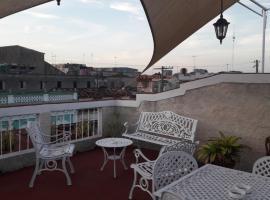 Hostal Navarro # 5019, hotel in Cienfuegos