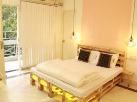 Tobo Stays, room in New Delhi