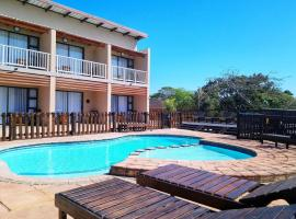 Hippo Lodge Apartments, hotel in St Lucia