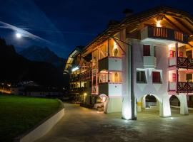 Cesa Planber Apartments, apartment in Canazei